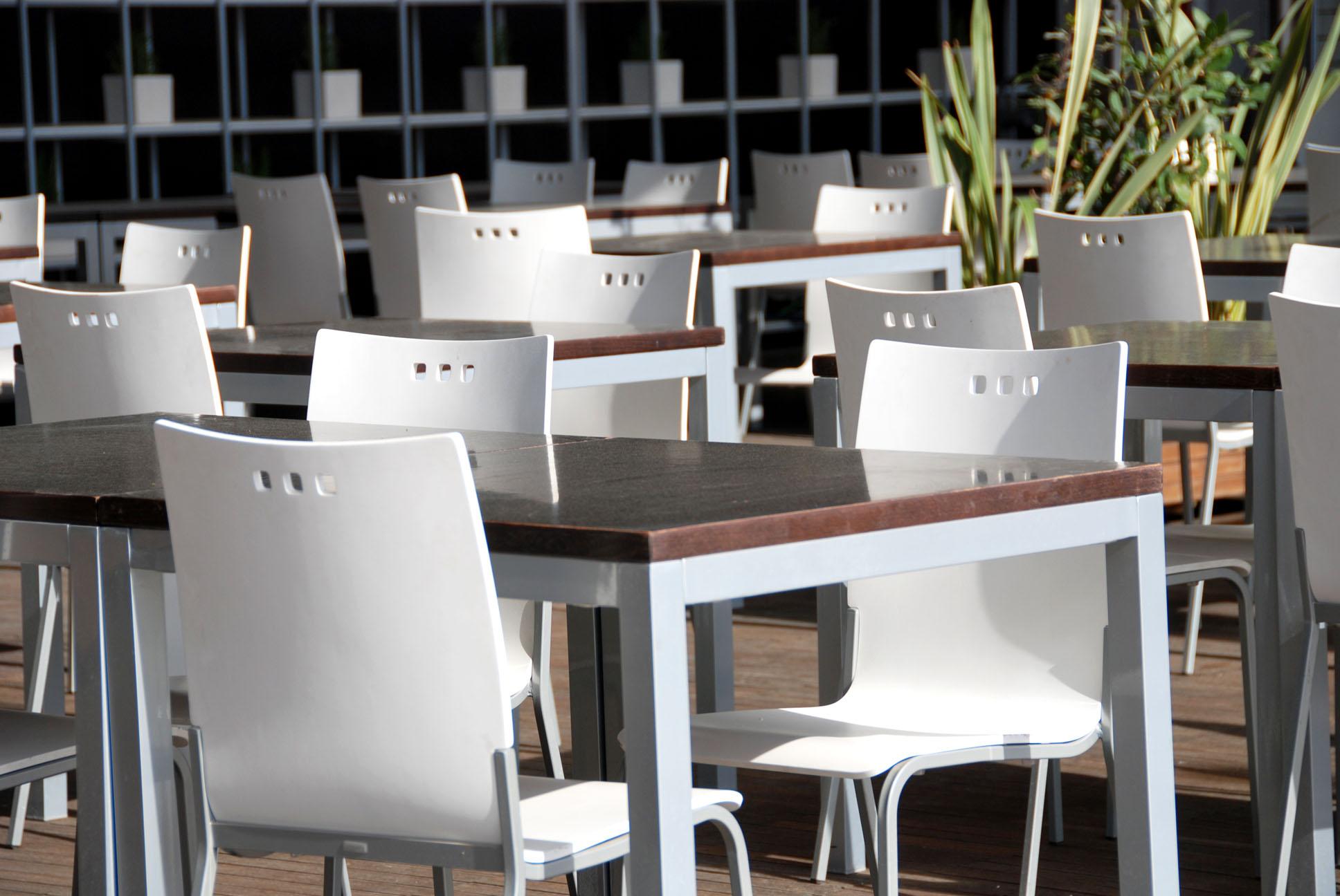 Noleggio tavoli e sedie Trezzano Rosa